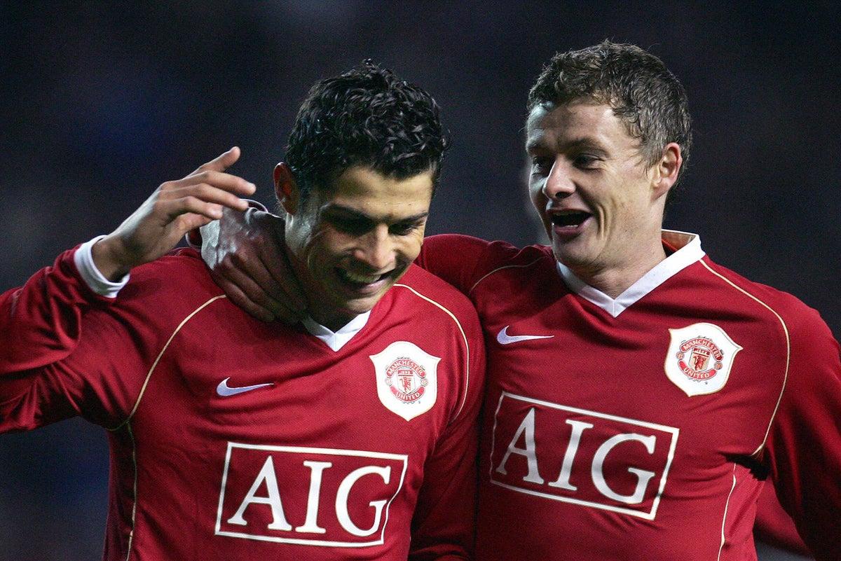 Ronaldo rejoins United